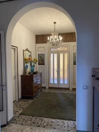 Entrance-Hall2