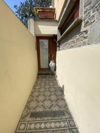 Garden-corridor-to-taverna-and-apartment