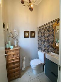 Guest-Toilet1