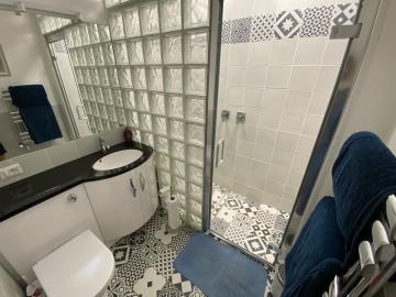 Master-bedroom-en-suite-shower-room