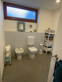 Taverna-bathroom