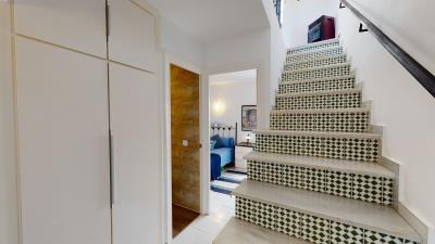 Hallway-Stairs--3-