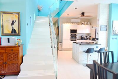 kitchen-and-staircase