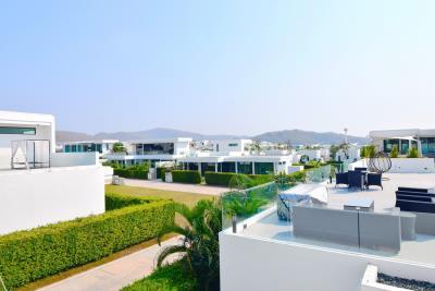 upper-terrace-view-inside