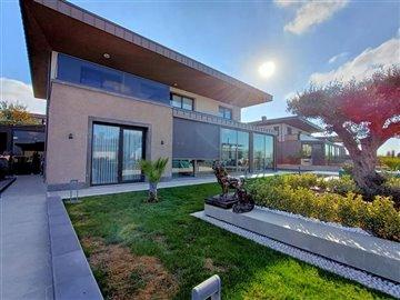 main-luxury-istanbul-villa-for-sale-1