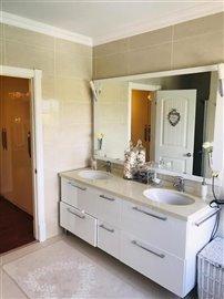 5-bedroom-villa-in-buyukcekmece-11