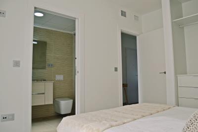 Bedroom-Downstairs-3