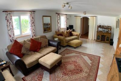 2-living-room-1024x680--1-