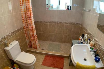 10-bathroom-1-1024x680