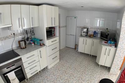 11-kitchen-1024x680