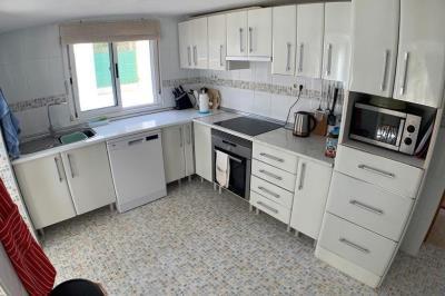 12-kitchen1-1024x680