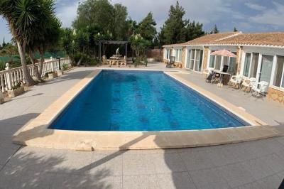 24-pool-1-1024x680