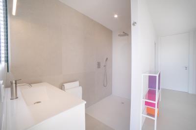 26--Bedroom-shower