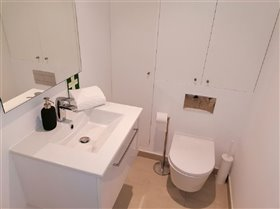 Image No.8-2 Bed Flat for sale