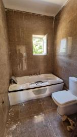 Upper-Appartments-bathroom