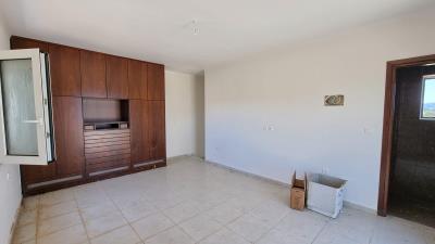 Upper-appartment---Master-bedroom-2