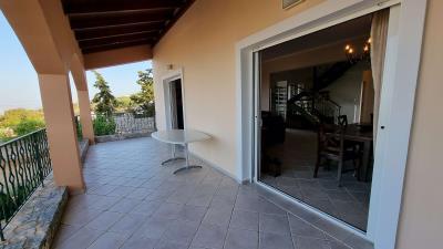 Lower-floor-balcony-2