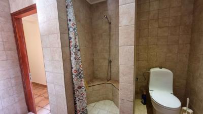 Ground-floor-appartment---Shower-1