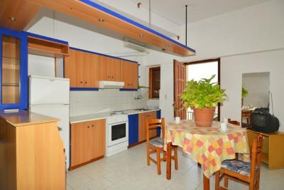 room-kitchen-2
