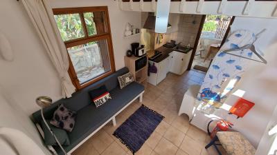 1th-Maisonette---Living-room-1