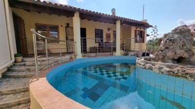 Main-House---Swiming-pool-1
