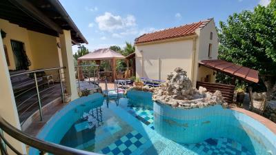 Main-House---Swiming-pool-4