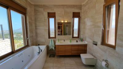 Ensuite-Bathroom-1