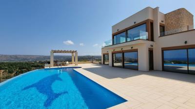 Swimming-pool-area-14