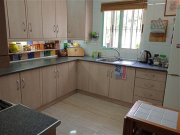 736-country-house-for-sale-in-oria-62110-larg