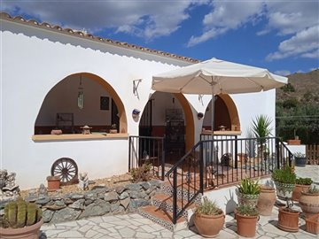 736-country-house-for-sale-in-oria-62137-larg