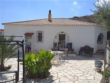 736-country-house-for-sale-in-oria-62145-larg