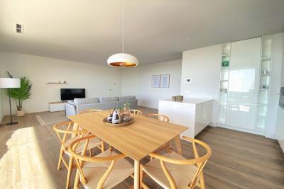nispero-apartment-las-colinas-golf---dining-table---las-colinas-property-for-sale