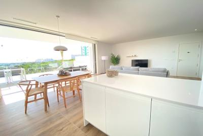 nispero-apartment-las-colinas-golf---kitchen-island---las-colinas-property-for-sale