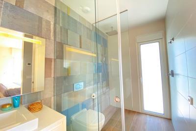 nispero-apartment-las-colinas-golf---shower-room---las-colinas-property-for-sale