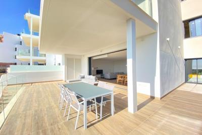 nispero-apartment-las-colinas-golf---terrace-dining-table---las-colinas-property-for-sale